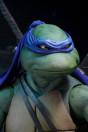 teenage-mutant-ninja-turtles-leonardo-actionfigur-neca-nickelodeon_NECA54048_6.jpg