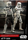 hot-toys-rogue-one-a-star-wars-story-assault-tank-commander-movie-masterpiece-series-actionfigur_S907736_8.jpg