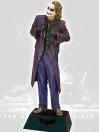 batman-the-dark-knight-the-joker-life-size-statue-210-cm_MMJOK1_4.jpg