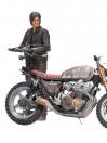 daryl-dixon-mit-neuem-motorrad-deluxe-box-actionfigur-aus-the-walking-dead-tv-serie-13-cm_MCF14516_3.jpg