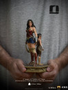 iron-studios-wonder-woman-1984-young-diana-limited-deluxe-edition-bds-art-scale_IS13425_12.jpg
