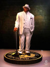 the-notorious-big-biggie-smalls-limited-edition-rap-iconz-statue-knucklebonz_KBBIGGIE100_6.jpg