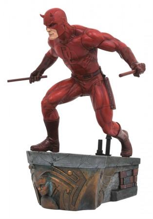 daredevil-limited-edition-marvel-comic-premier-collection-statue-diamond-select_DIAMAUG182583_2.jpg