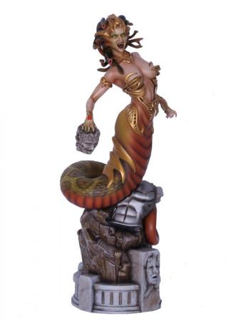 medusa-wei-ho-griechische-mythologie-statue-16-aus-fantasy-figure-gallery-37-cm_YAM351059_2.jpg