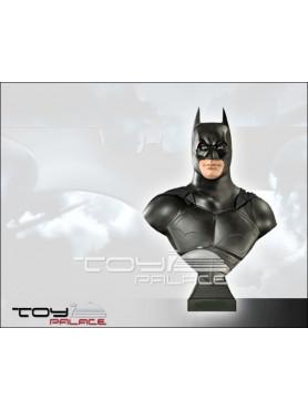 batman-begins-batman-life-size-bste-85-cm_MMBBB1_2.jpg