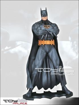 dc-comics-batman-life-size-statue-blau-204-cm_MMBT-2_2.jpg