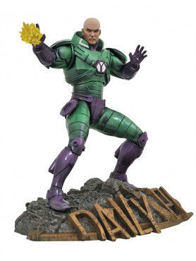 dc-comics-lex-luthor-dc-gallery-statue-diamond-select_DIAMMAR202619_2.jpg