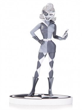 harley-quinn-by-paul-dini-2nd-edition-black-white-statue-aus-batman-18-cm_DCCSEP150351_2.jpg