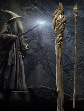 leuchtender-stab-vom-gandalf-replik-11-der-hobbit-smaugs-einde-185-cm_UCU3107_2.jpg