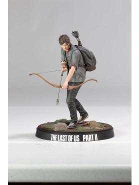 the-last-of-us-part-ii-ellie-with-bow-statue-dark-horse_DAHO3006-261_2.jpg
