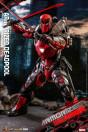 hot-toys-marvel-armorized-deadpool-collector-edition-armorized-warrior-collection-comics-masterpiece_S908909_4.jpg